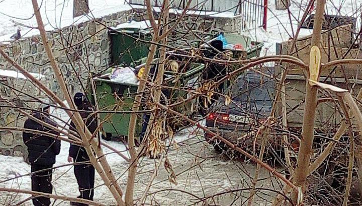 Новосибирец выбросил жену на помойку за плохое поведение
