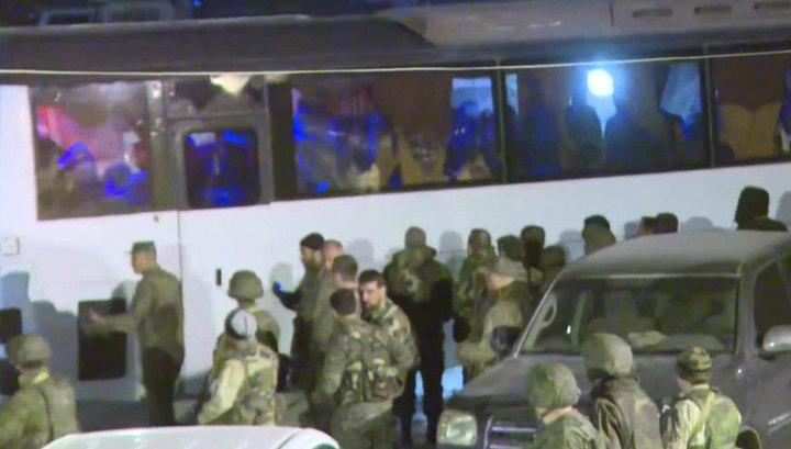 Почти 4 тысячи боевиков вышли через гумкоридор в районе Мухайям Аль-Вафедина