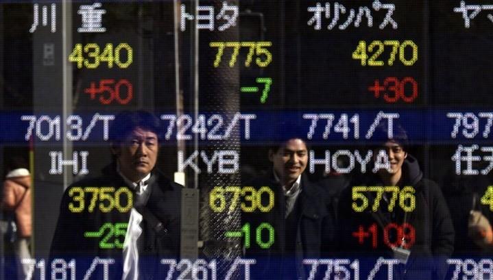 Акции Азии в основном снижаются в начале квартала
