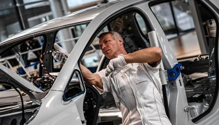 Промышленный PMI еврозоны на минимуме за 8 месяцев