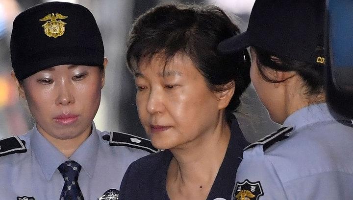 Экс-президента Южной Кореи отправили на 24 года в тюрьму