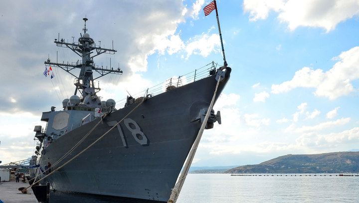 К Сирии идет атаковавший авиабазу Шайрат американский эсминец