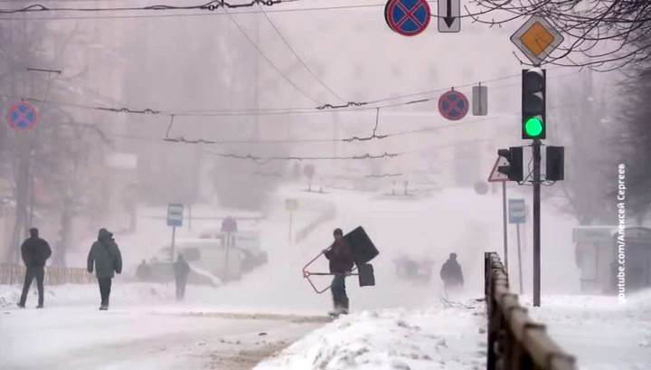 Вести.Ru  Киров засыпало снегом f3c44bf3cb3