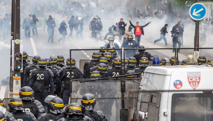 Францию захлестнули профсоюзные манифестации