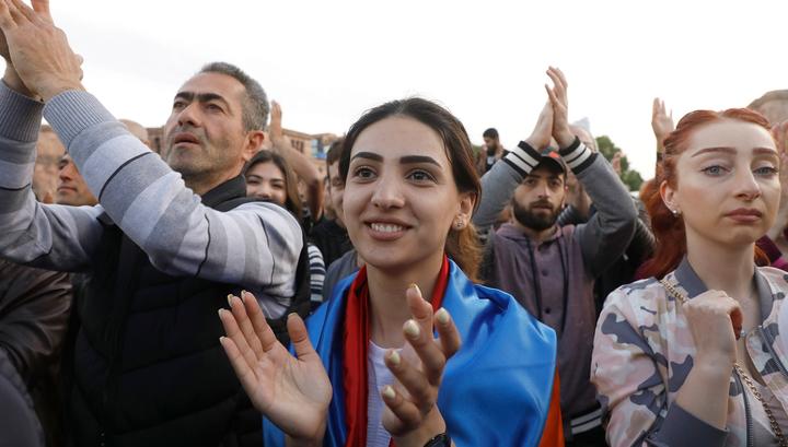 Госкомитет по туризму Армении: часть прилетающих в Звартноц присоединяется к демонстрантам