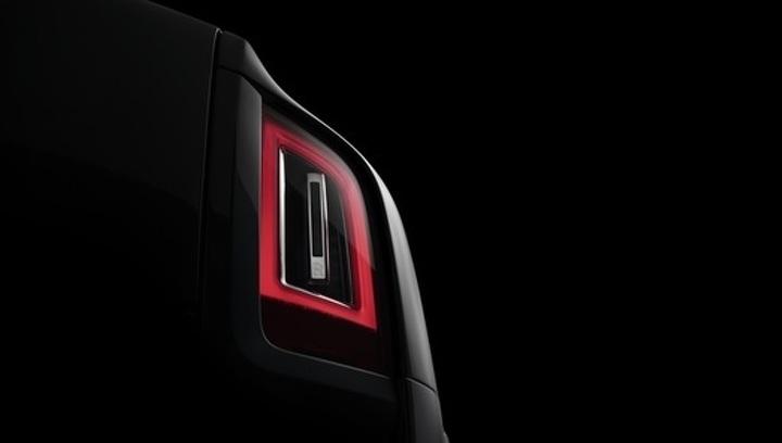 """Роскошный внедорожник от Rolls-Royce """"засветился"""" без камуфляжа"""