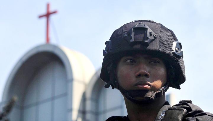 Число жертв терактов у церквей в Индонезии увеличилось до 17 человек