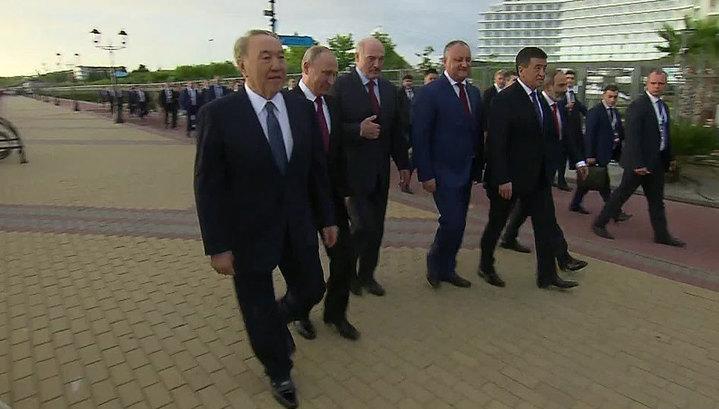 Картинки по запросу В Санкт-Петербурге началось заседание Высшего Евразийского экономического совета в узком составе.