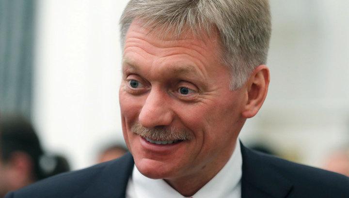 Песков ответил на вопрос о военных вертолетах над Кремлем