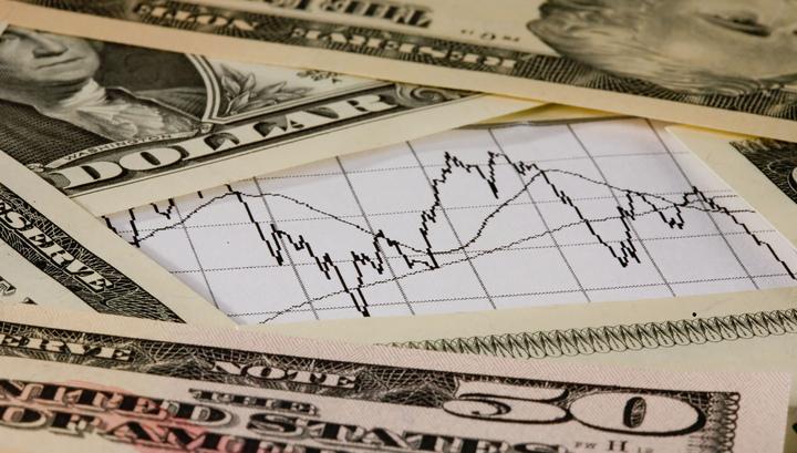 Доллар снова растет, а нефть дешевеет