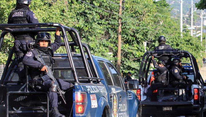 Около 70 тел найдено в тайных захоронениях в Мексике