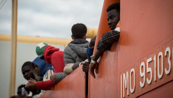 ЕС построит лагеря для беженцев на их родине