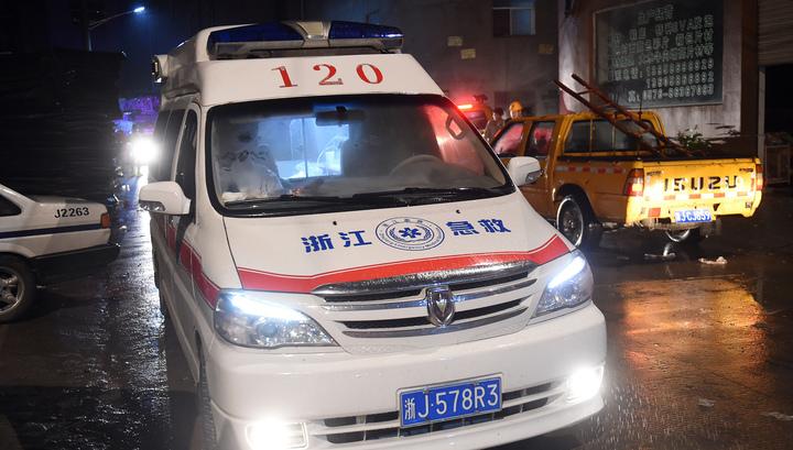 Обрушение крыши бара в Китае: число жертв увеличилось до двух человек, 83 ранены