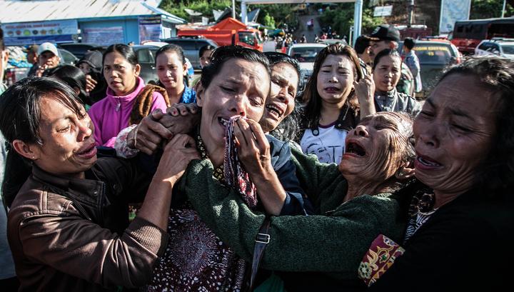 Число погибших при крушении парома в Индонезии возросло до 24