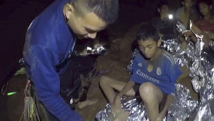Из затопленной пещеры Кхао Луанг спасены все узники