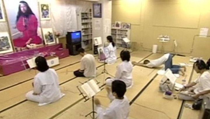 """Японские власти решают, кому отдать прах главаря """"Аум Синрикё"""""""