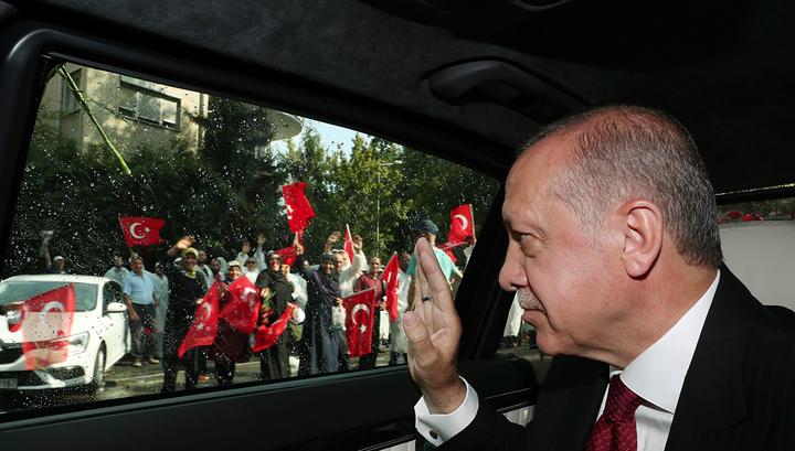 """""""Мы усилим Турцию"""": Эрдоган официально вступил в должность президента страны"""
