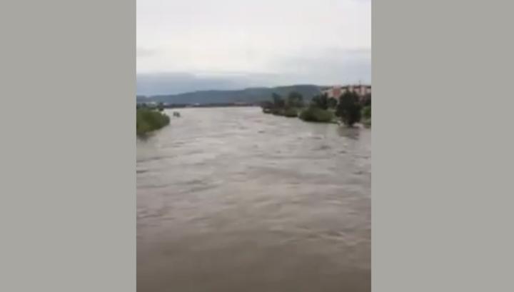 Паводок в Забайкалье: люди отказываются покидать дома из-за мародеров