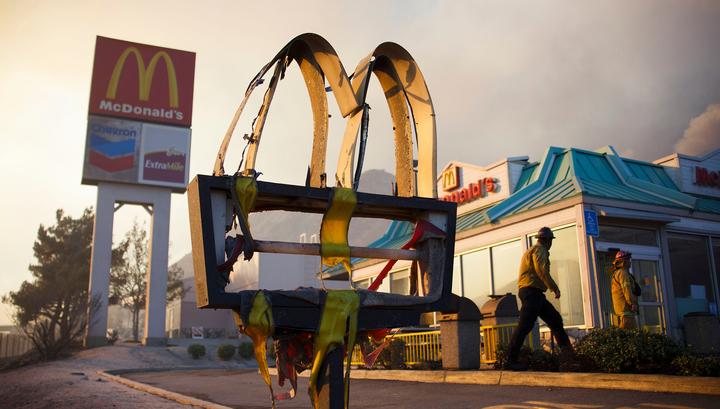 Американец проработал в Макдоналдсе полвека (и ему нравится)