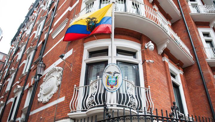 Власти Великобритании и Эквадора ведут секретные переговоры о судьбе Ассанжа