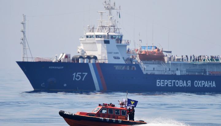 На Сахалине третий день ищут мужчину, вышедшего в море на самодельном плоту