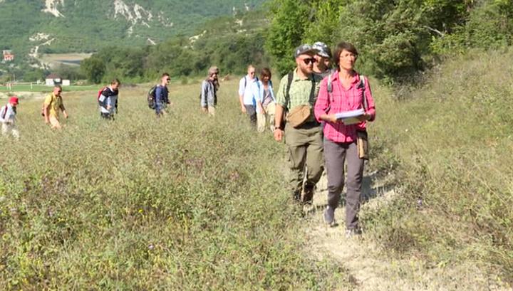 Студенты-геологи изучают Крымские горы