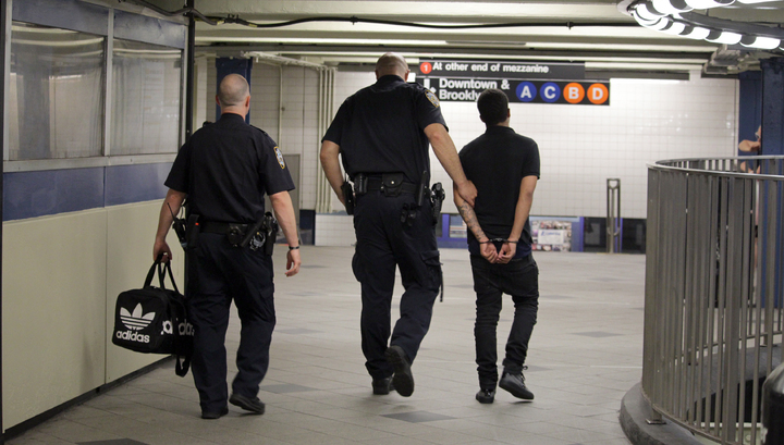 Жителя Нью-Йорка арестовали за угрозы убить двух сенаторов конгресса США