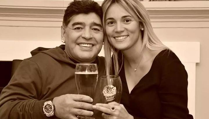 Диего Марадона сделал предложение своей 28-летней подруге