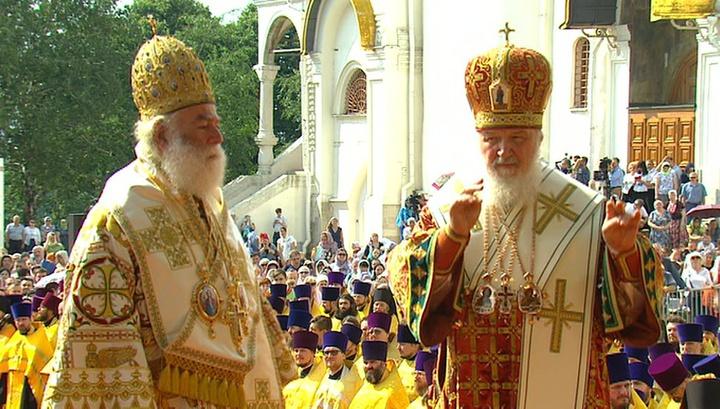 День Крещения Руси: на Соборной площади Кремля началась торжественная литургия