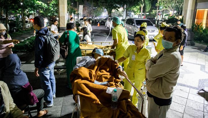 Землетрясение в Индонезии: погибших 98, раненых 200