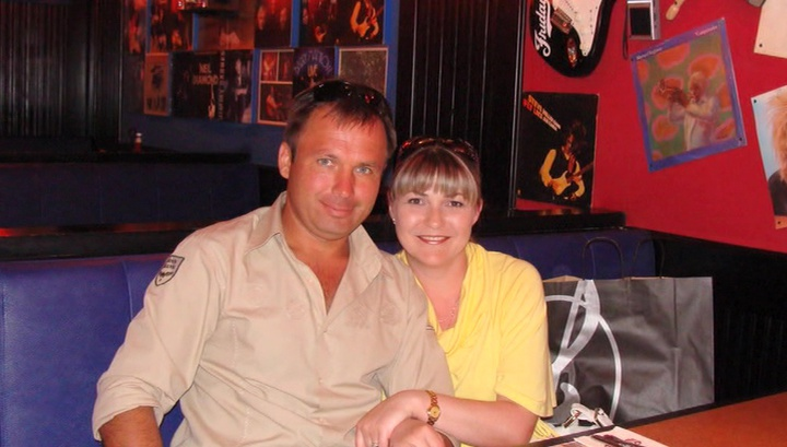 Супруга летчика Ярошенко прилетела в Нью-Йорк