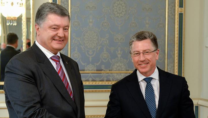 Порошенко на прощание наградил Курта Волкера орденом
