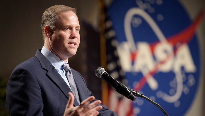 Глава NASA встретился с российским послом