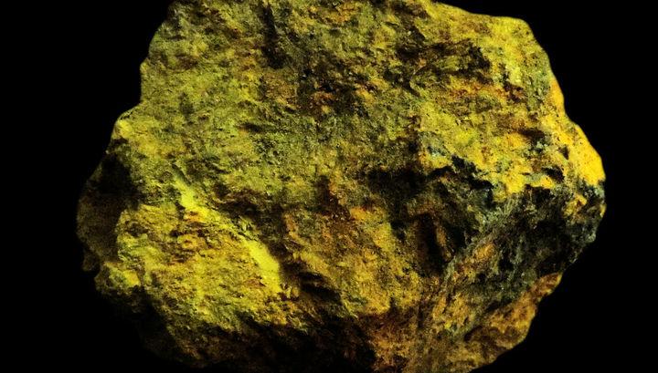 Бактерии извлекают мышьяк из горных пород и переводят его в форму, растворимую в воде, а потому опасную для человека.