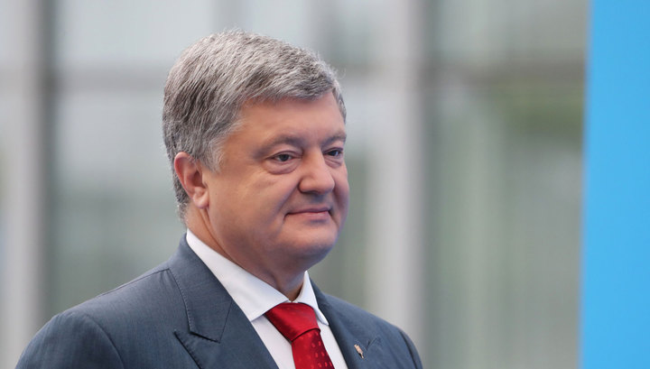 Порошенко заявил, что вступление Украины в ЕС зависит от студенток