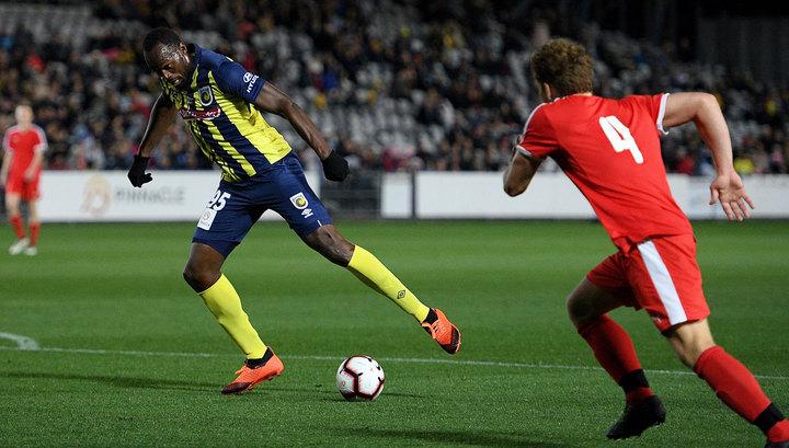 Болт может продолжить карьеру футболиста в клубе, который тренирует Марадона