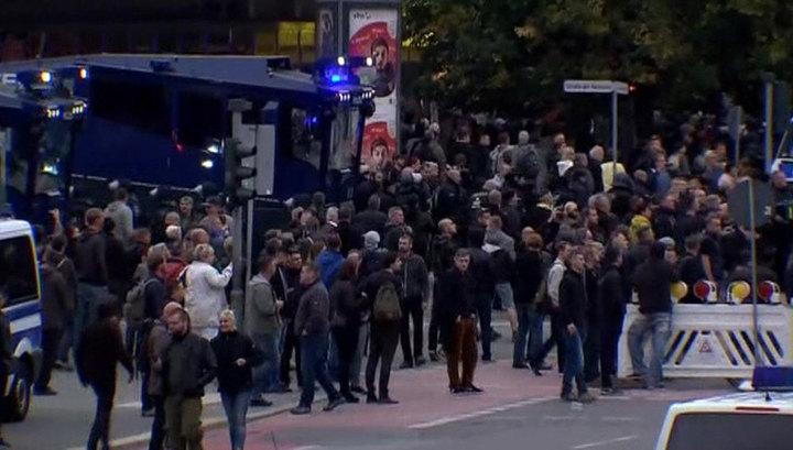 Кабмин Германии осудил акции радикалов в городе Хемниц