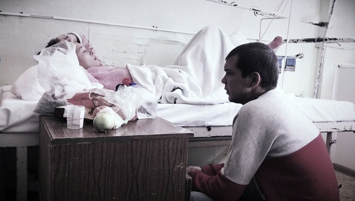 Жертва тирана рассказала, как спускалась по простыням с 5 этажа с ребенком на руках