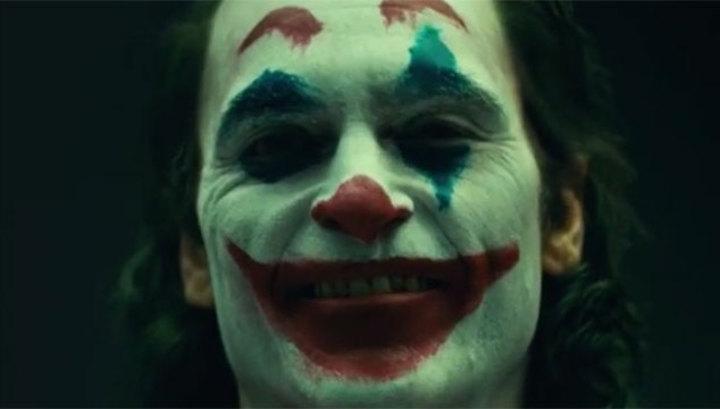 Режиссер Тодд Филлипс опубликовал видео с Хоакином Фениксом в образе Джокера