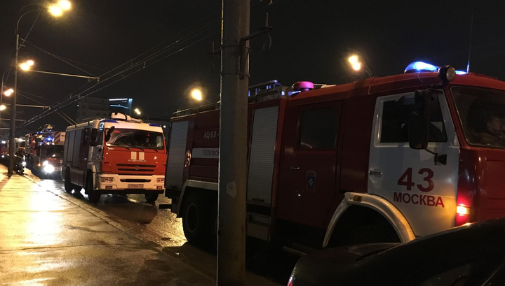 На Рязанском проспекте в Москве загорелся жилой дом