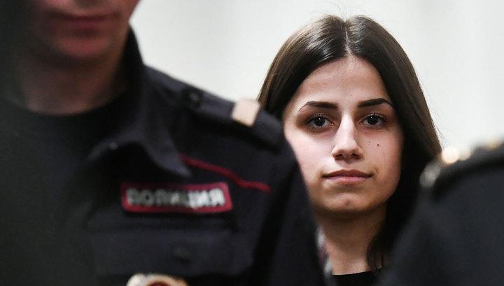Сестрам Хачатурян разрешили общаться со всеми, кто не связан с уголовным делом