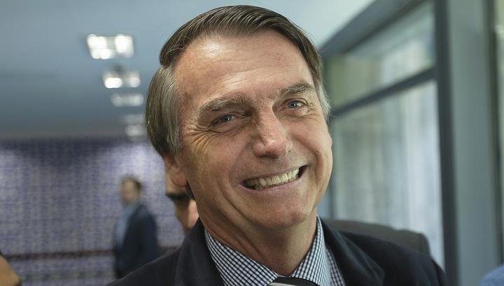 Бразильская Партия трудящихся просит суд снять Болсонару с выборов президента