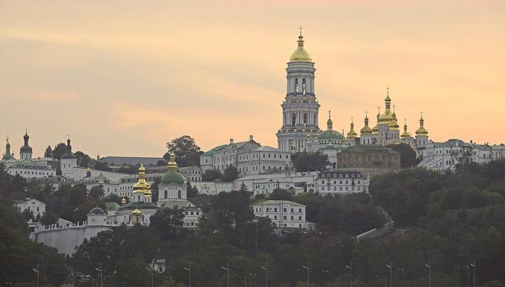 Раскольники заявили, что подчинили себе две главные лавры Украины