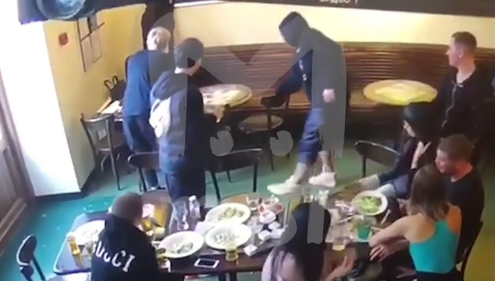 видео драки Кокорина и Мамаева с чиновниками Минпромторга смотреть онлайн