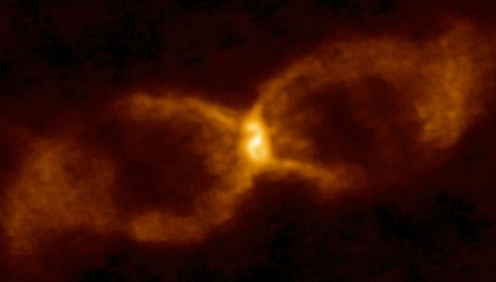 Изображение СК Лисички, полученное с помощью радиотелескопа ALMA.