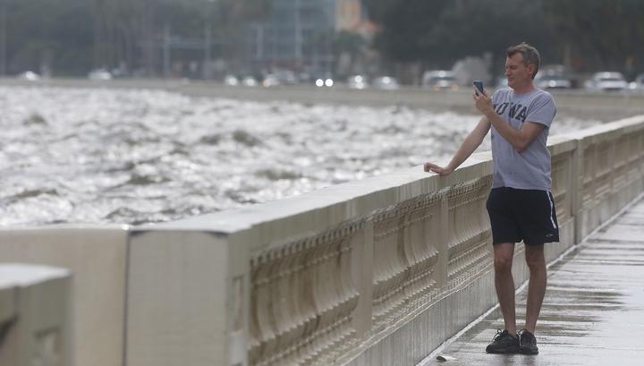 """Губернатор Флориды: """"Майкл"""" - самый страшный шторм за последние 100 лет"""