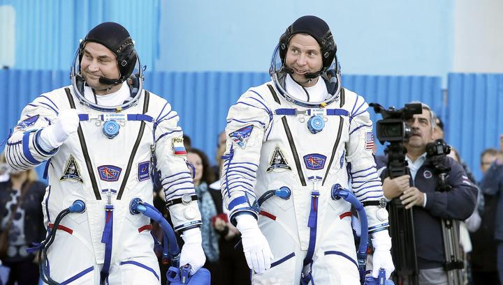 Космонавты с