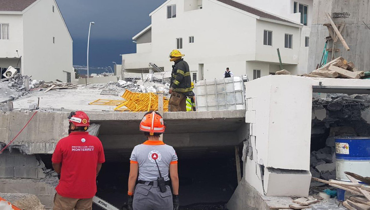 Обрушение здания в Мексике: 5 погибших, 13 пропавших без вести