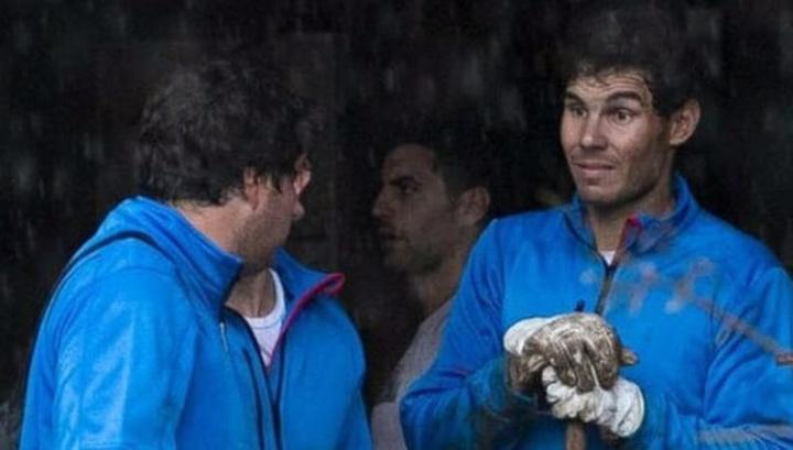 Теннисист Рафаэль Надаль спасал людей во время наводнения на Майорке