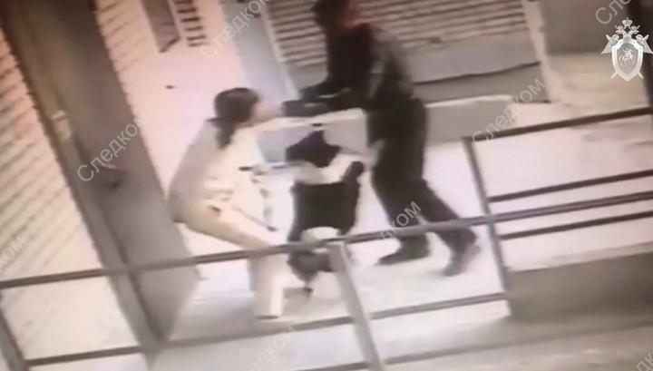 Собака помогла хозяйке отбиться от вооруженного ножом ревнивца